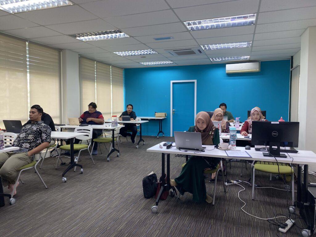 peserta kursus pengurusan Laman web